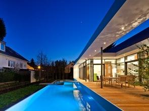 terraza-con-piscina-casa-C1-Dettling-Architekten
