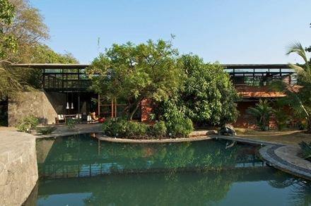 piscina-casa-brick-kiln-spasm-design-architects