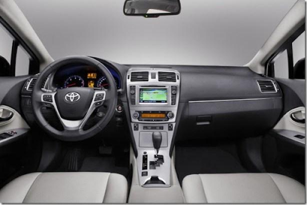 Toyota Avensis [2]