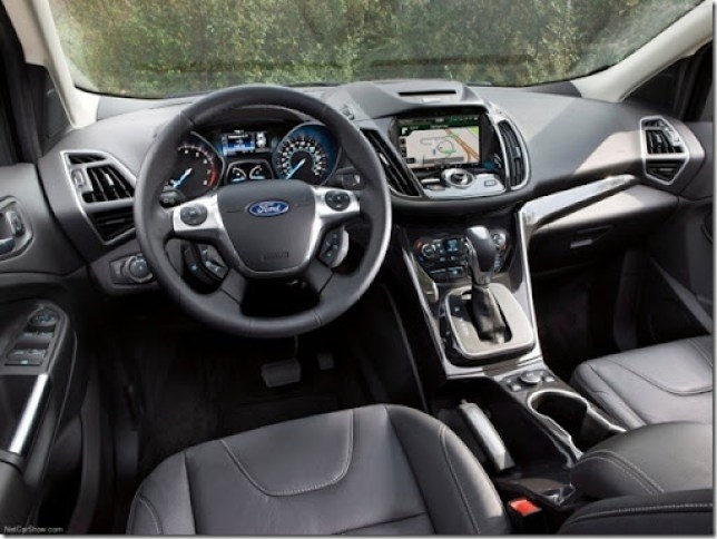 Ford-Escape_2013_1280x960_wallpaper_27