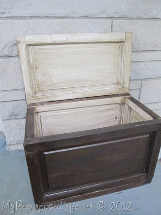 repurposed-door-into-a-trunk