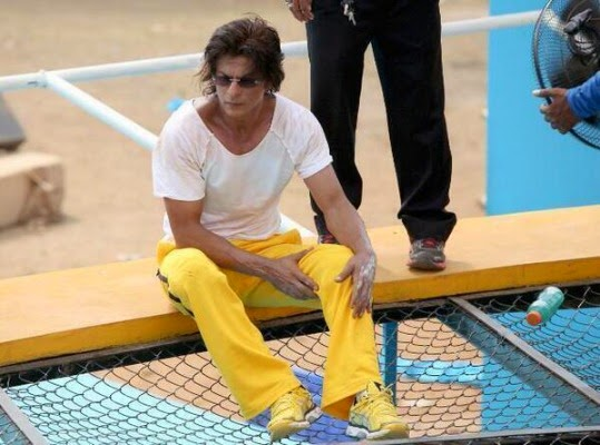 SRK On Sets Of Happy New Year (3/5)