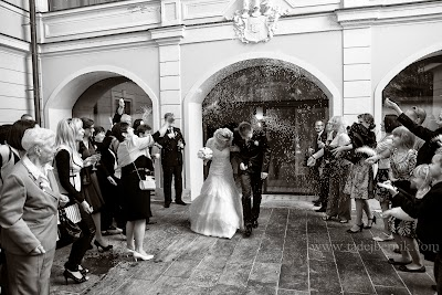 porocni-fotograf-wedding-photographer-poroka-fotografiranje-poroke- slikanje-cena-bled-slovenia-ljubljana-bled-hochzeitsfotografho (68).jpg