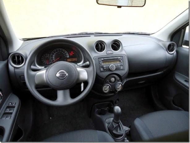 Nissan March SR  1.6 2013 (1)