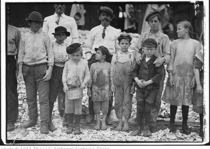 'All these are shrimp pickers. Youngest in photo are 5 and 8 years old. Biloxi, Miss, February 1911' photo (c) 1911, The U.S. National Archives - license: http://www.flickr.com/commons/usage/
