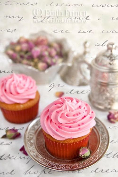 cupcakes cu trandafiri 3