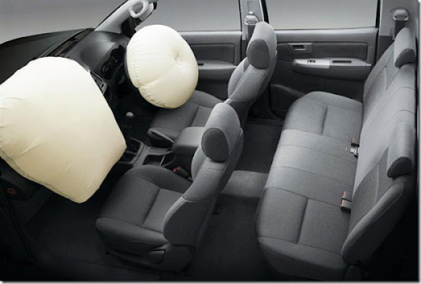 Toyota-Hilux-2011-70-Airbags