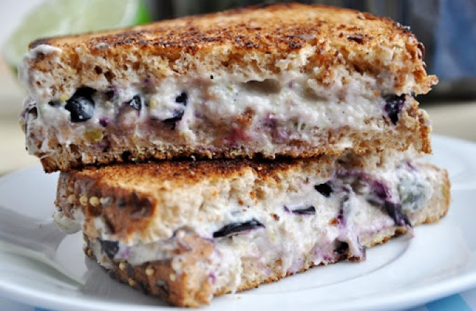 blueberry cream cheese sandwich 021