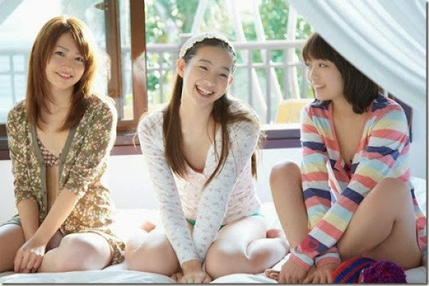 Suzuka_Morita_-_Rika_Adachi_-_Misaki_Momose_54