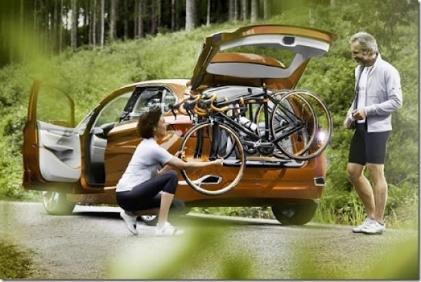 BMW-Concept-Active-Tourer-Outdoor-18[2]