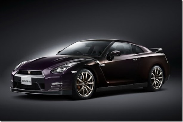 Nissan-GT-R-Midnight-Opal-1[3]