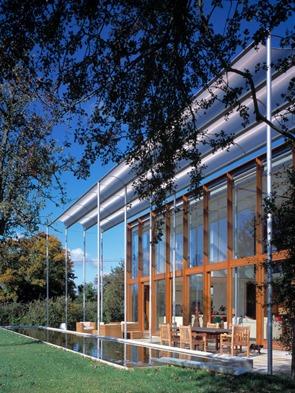 fachada-moderna-casa-en-pipers-end-niall-mclaughlin-architects