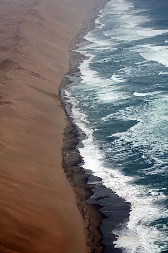 namib-desert-meets-sea-5