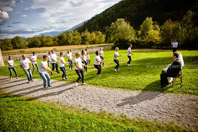 porocni-fotograf-wedding-photographer-poroka-fotografiranje-poroke- slikanje-cena-bled-slovenia-ljubljana-bled-hochzeitsfotografho (114).jpg