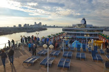 Norwegian Jewel Sailaway from the Port of New Orleans