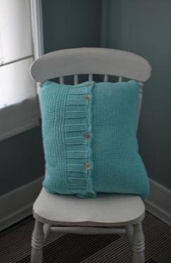 thrift finds & pillow 006