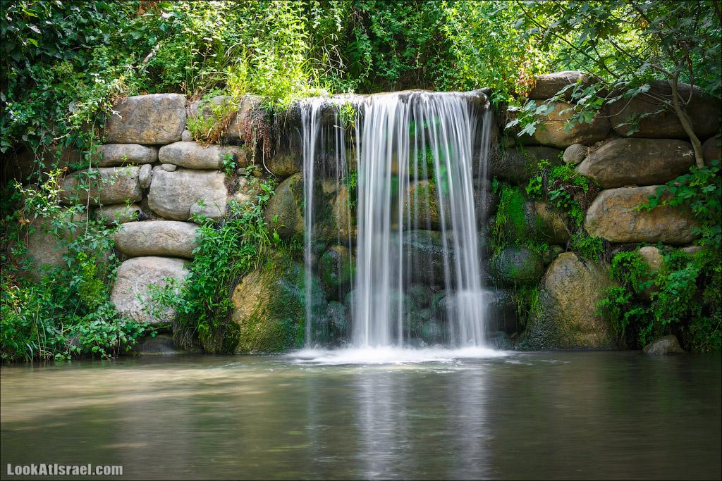 Водопады и зеленое буйство ручья Снир