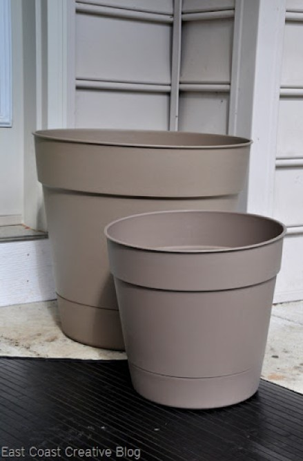 plastic pots spray painted