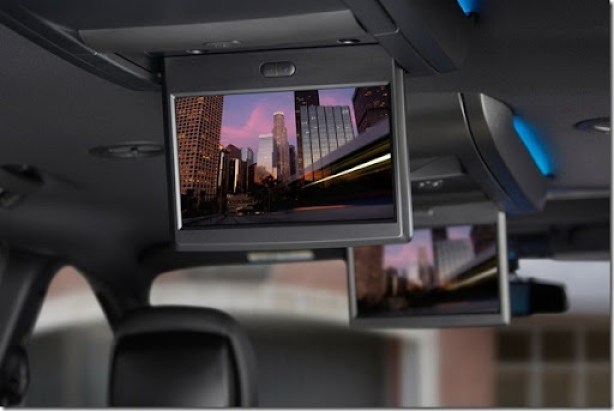 2013 Chrysler Town & Country S