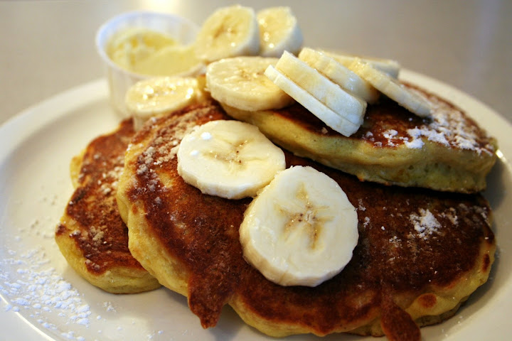 Lemon Ricotta Pancakes with Bananas