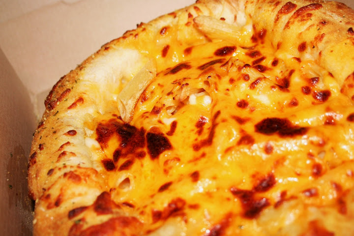 Mac & Cheese Bread Bowl Closeup