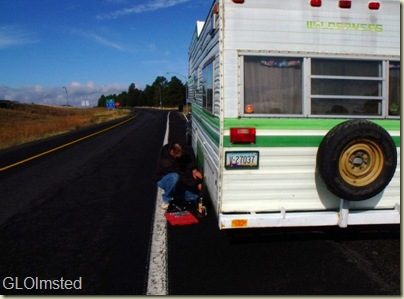 03 Mike changing tire (800x589)