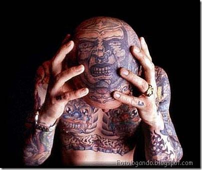 Tatuagens em cabeças raspadas (19)