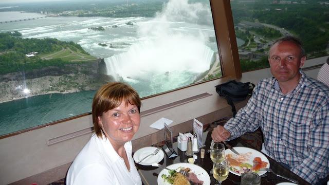 Diner in de Skylon Tower aan de Niagra Falls