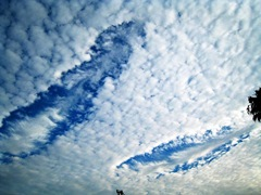 hole-clouds-8-19-2007