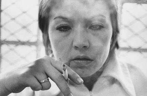 Mary_Ellen_Mark_Close_Up_Mona_Smoking_1976_c1976_1851_41.jpg