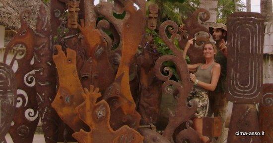 Dopo sei settimane ecco alcune delle oltre venti sculture in ferro realizzate da Vivide ed Enzo. Lunedì mattina si parte per il continente, inizia il viaggio dei Flaghéé verso il lago Tanganica.