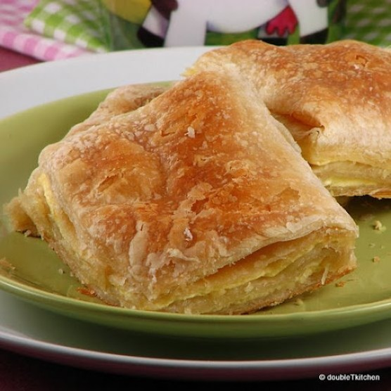bakina pita od sira s katmer korama