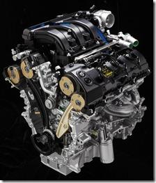 3.5 V6 é o mesmo, mas também recebeu melhorias, como um novo sistema de corte de combustível em desacelerações, além do duplo comando variável e independente de válvulas (Ti-VCT),