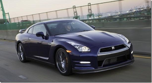Nissan-GT-R_2011_1600x1200_wallpaper_08