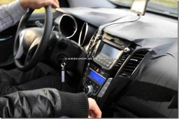 Hyundai-i-30-2012-interior-620x413