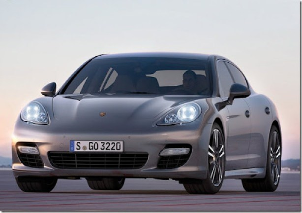 Porsche-Panamera_Turbo_S_2012_1600x1200_wallpaper_02