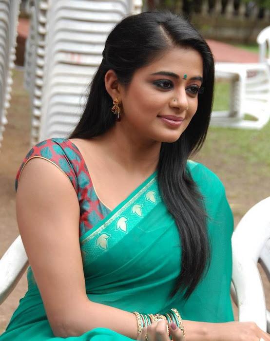 priyamani glamour  images