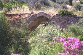 Sizilien - Die 'Ponte Saraceno' nahe Altavilla Milicia