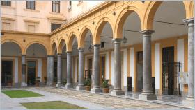 Sizilien - Palermo - Innenhof der juristischen Fakultät der Universität Palermo. Hier studierte der Mafia-Jäger Giovanni Falcone