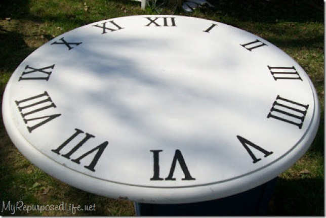 making a faux clock out of an old kitchen table top