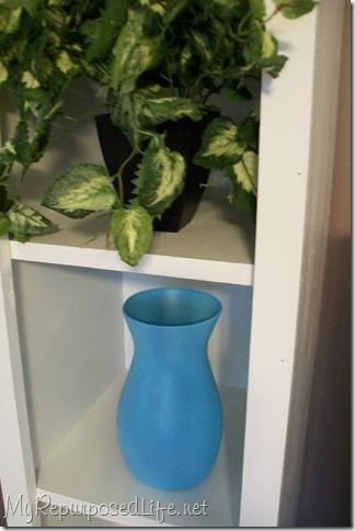 spray paint glass vase aqua