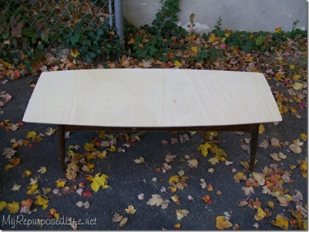 vintage coffee table base gets a new plywood top