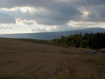 le Mont Ventoux sous les nuages