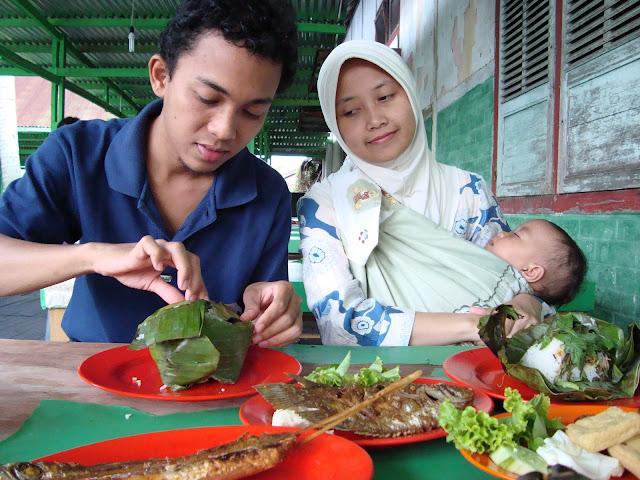 Dek Ugrah & My fam @ Mak Uneh, Pekanbaru
