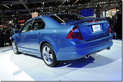05_2010_ford_fusion_live