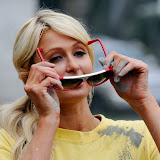 Paris Hilton performs community service with Hollywood Beautification Team (14).jpg