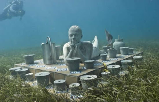 400 Patung Bawah Laut