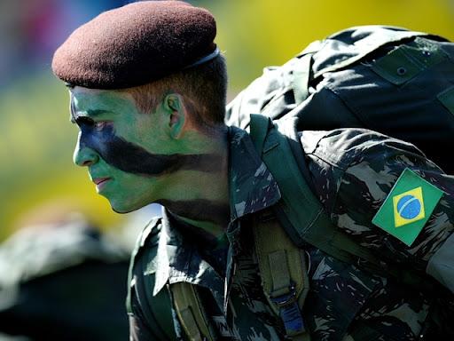 https://i2.wp.com/lh5.ggpht.com/_ktn2DmlkK9g/S2rYOmPM31I/AAAAAAAACEQ/_gWy8022zGs/Historia-Listas-Exercito-Brasil.jpg