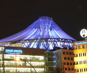 arquitectura-High-Tech-Potsdamer-Platz-de-Renzo-Piano-en-Berlín