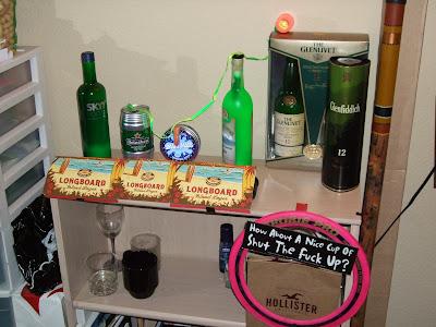 sör, vodka, whisky, gin - mi kell még? csak egy jó korty fogdbeapofád : )
